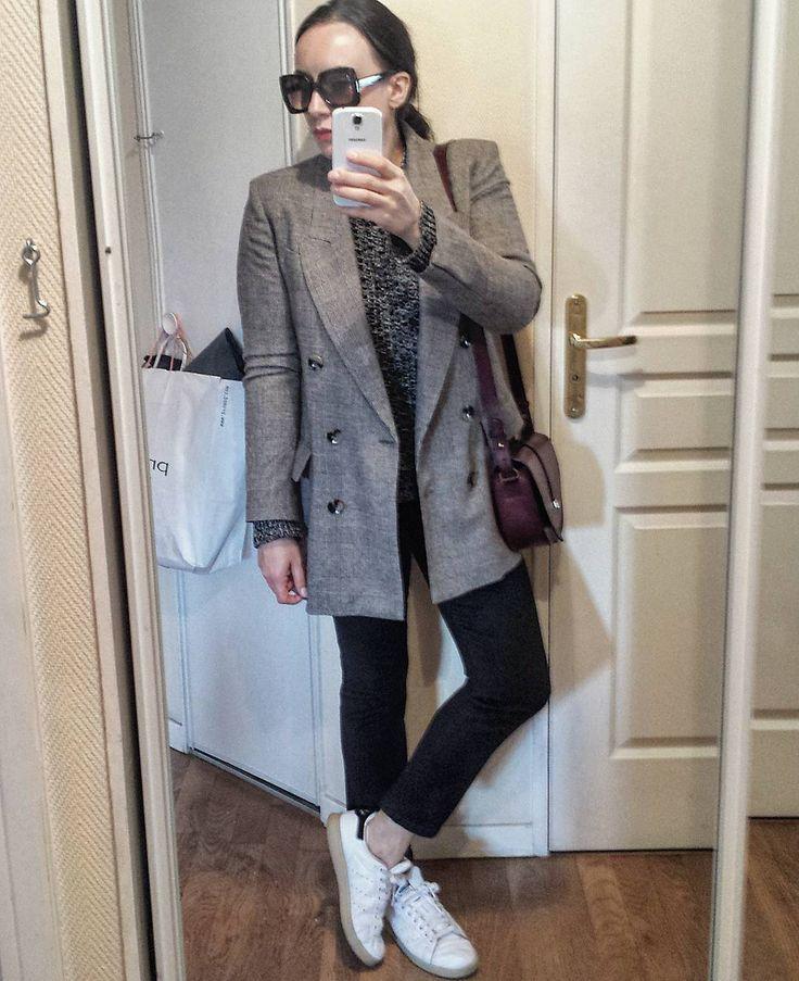 """36 curtidas, 5 comentários - carole charlotte (@carolecharlotte) no Instagram: """"Look du jour ✔ ● blazer @zara (new co) #zara ● pull @cosstores #cos ● jean @mango #mango ● baskets…"""""""
