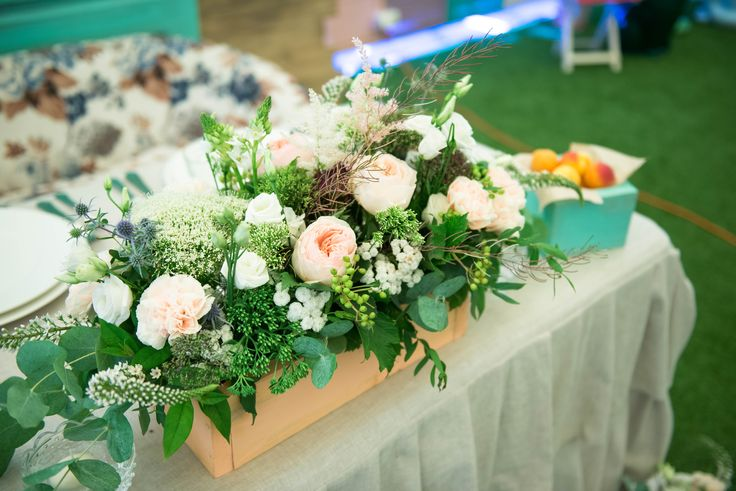 wedding flowers, wedding  sweetheart table,  wedding decor, место пары, оформление свадьбы, сервировка стола, свадебная флористика