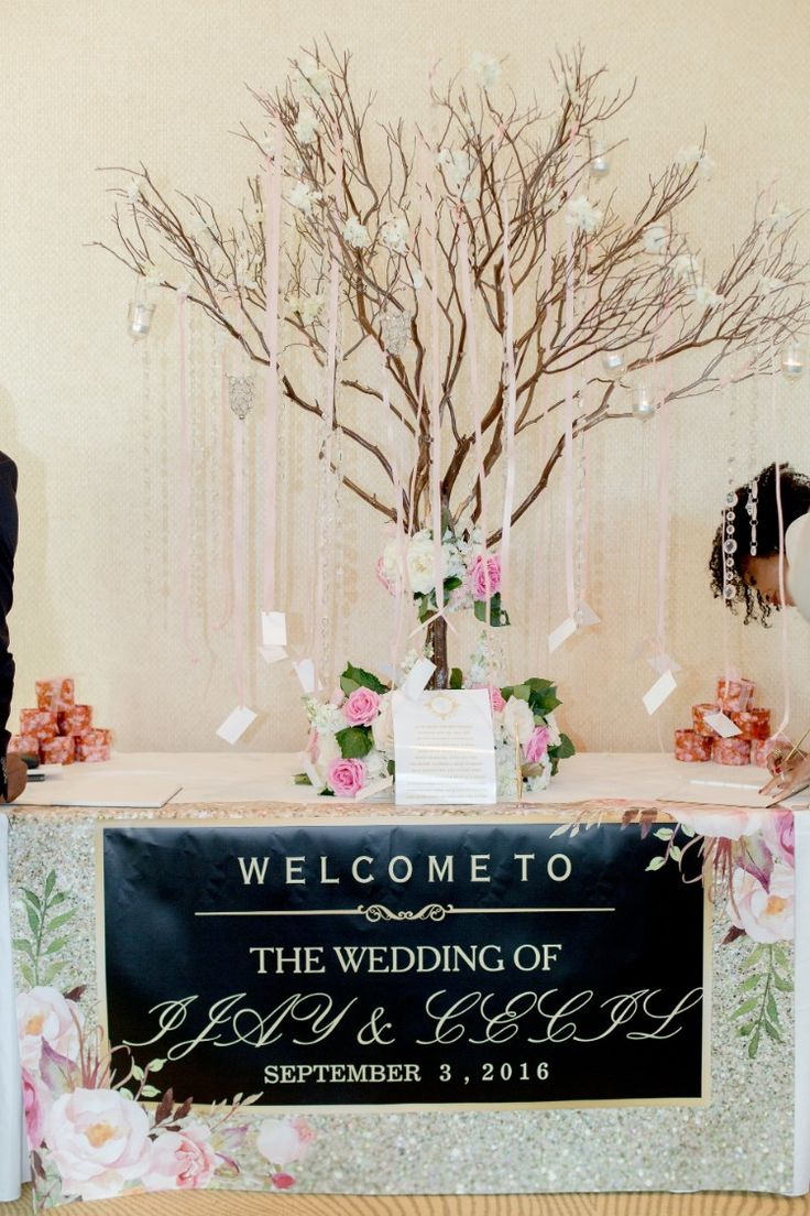 Unique wedding ideas: a wedding wish tree for guests to sign | Wedding guest book alternatives (Unashamed Imaging)