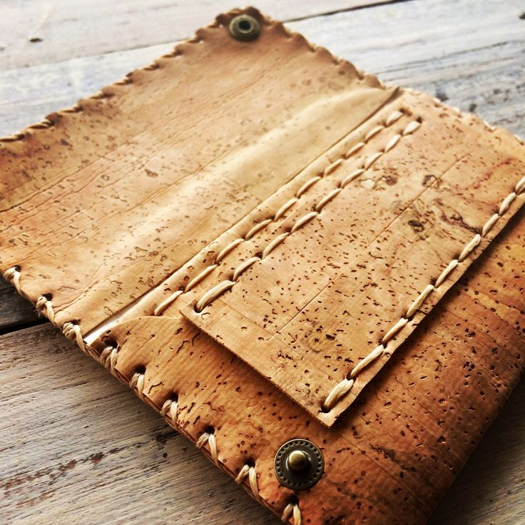 #fashion #cork #handmade #lovehandmade #news #rilke #unique #shopping #tobacco #tobaccocase #greece #athens @rilke.gr