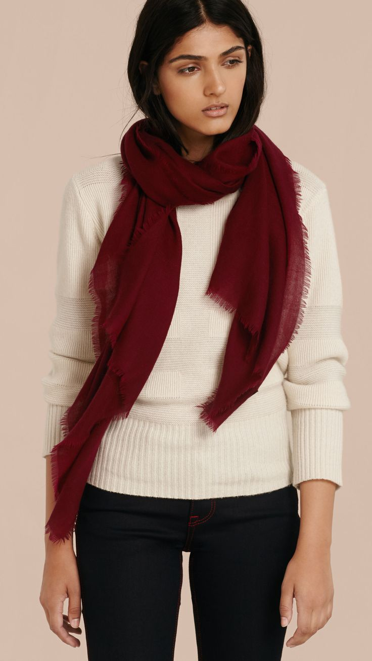 The Lightweight Cashmere Scarf Plum | Burberry
