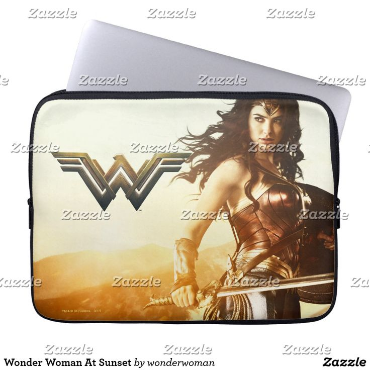 Wonder Woman At Sunset. Producto disponible en tienda Zazzle. Tecnología. Product available in Zazzle store. Technology. Regalos, Gifts. #fundas #sleeves