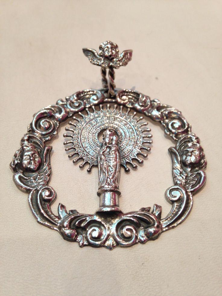Medalla de cuna en plata de ley
