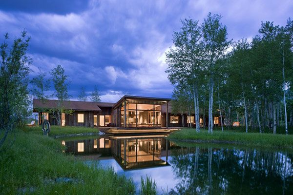 Sustainable Design in a Peaceful Setting: EHA Family Trust Residence http://freshome.com/2013/02/08/sustainable-design-in-a-peaceful-setting-eha-family-trust-residence/#