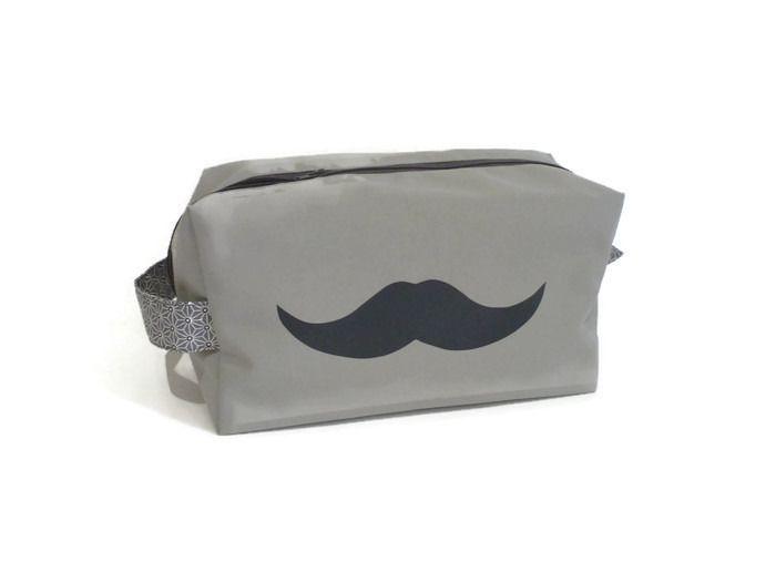Trousse de Toilette Homme, Ado grise et moustache gris foncé (grande taille) : Trousses par bleu-papaye