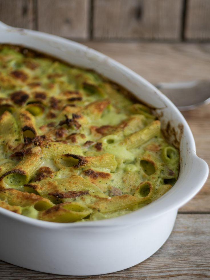 Pasta al forno con crema di zucchine, speck e provola affumicata