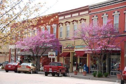 Swedish village of Lindsborg , Kansas