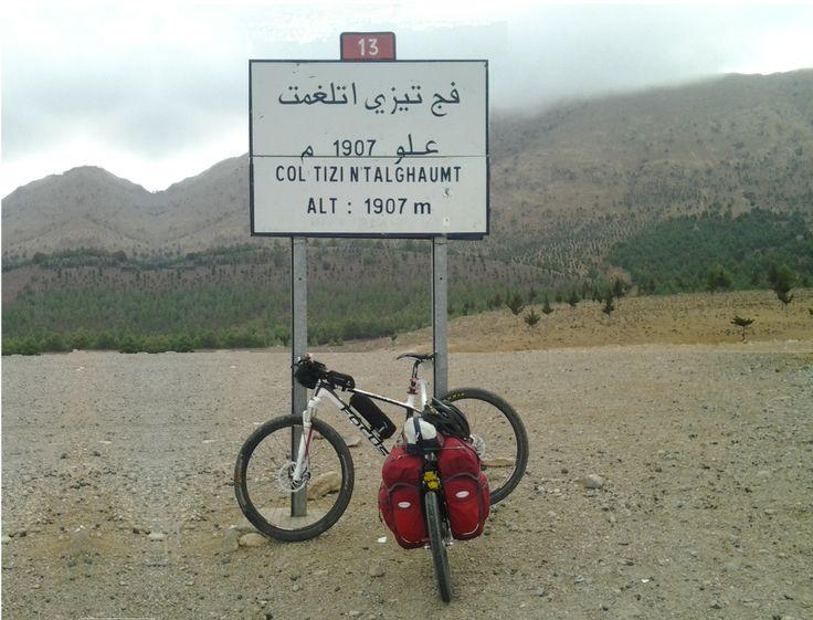 Un beteteros trailers Evo 2 cruzando los montes Atlas  (Marruecos)