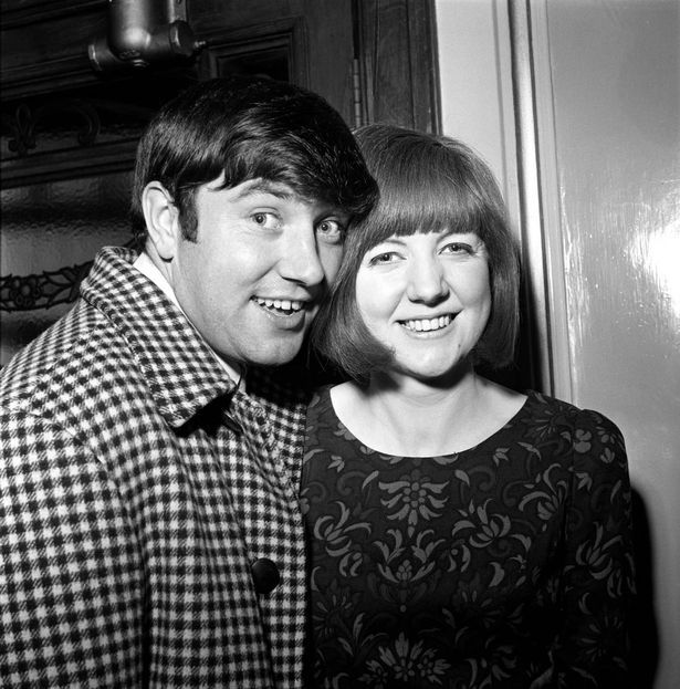 Cilla Black with comedian Jimmy Tarbuck in November 1964