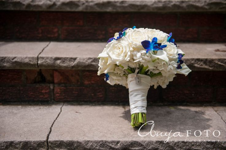 anyafoto.com, wedding bouquet, bridal bouquet, white bouquet, white roses, rose bouquet, orchid bouquet, purple orchid, blue orchid