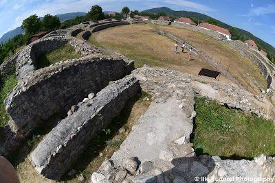 TUDOR  PHOTO  BLOG: Amfiteatrul din Ulpia Traiana Sarmizegetusa-judetu...