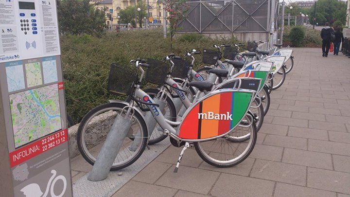 Po Warszawie rowerkiem miejskim z Mbankiem  A w Waszych miastach też są rowery miejskie? #aplikacjamBanku https://www.facebook.com/photo.php?fbid=746120472099228&set=o.145945315936&type=1