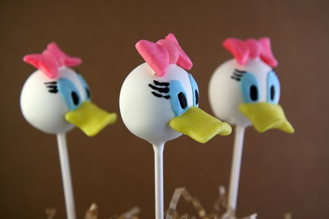 Mickey Mouse Clubhouse Cake Pops 2 by itskrisbitch, via Flickr #EasyPin