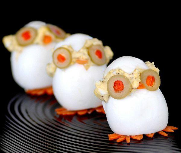 Huevos rellenos. Esta receta de huevos rellenos os va gustar porque es muy divertida. ¡Veréis cómo los niños disfrutan con estos huevos rellenos!