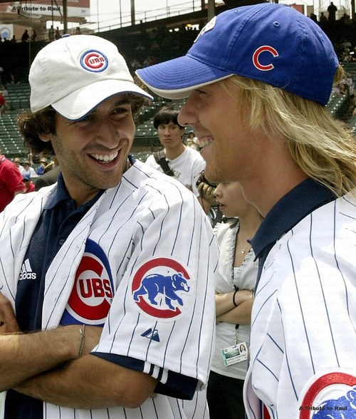 Raul and Guti go to a Cubs game in Chicago.