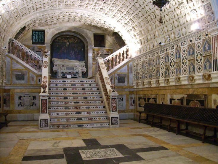 Condividete e segnalate ai vostri amici! Posti limitati! Un'esclusiva, unica e straordinaria visita notturna con degustazione di specialità tipiche locali, che ci porterà a scoprire l'affascinante cripta dei martiri, il santuario ricavato dalla roccia sotto il presbiterio della Cattedrale di #Cagliari nel corso del Seicento.  Per info: http://www.cagliariturismo.it/it/eventi/esclusiva-visita-notturna-alla-cattedrale-e-alla-cripta-dei-martiri-di-cagliari-3695