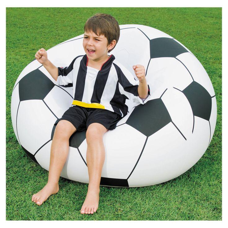 This Bestway Beanless Soccer Ball Chair features durable vinyl construction and easy inflation making it possible to set up quickly. This bean bag style chair is perfect for boys and girls who love soccer or sports in general.
