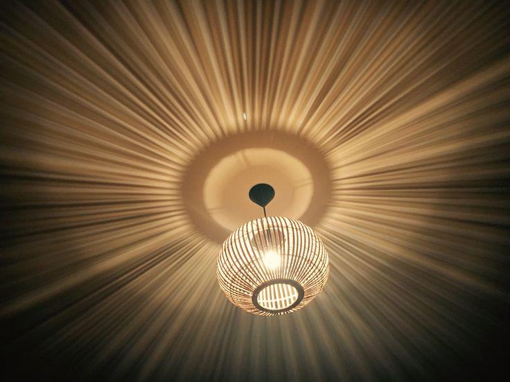 Magisch licht op mijn slaapkamer bamboe lamp van xenos for Lampen xenos