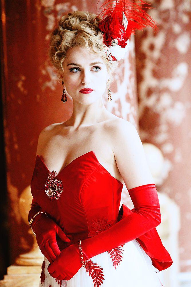 "Katie McGrath as ""Lucy Westenra"" - Dracula (NBC)"