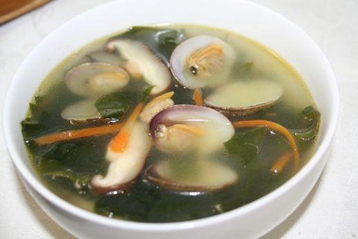 ジョゲミヨック(조개미역국) -- あさりわかめスープ | 韓国料理店に負けない韓国家庭料理レシピ「眞味」