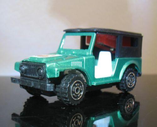 Vintage-Toyota-land-cruiser-4x4-truck-Hong-Kong-Pencil-sharpener-diecast-tintoy