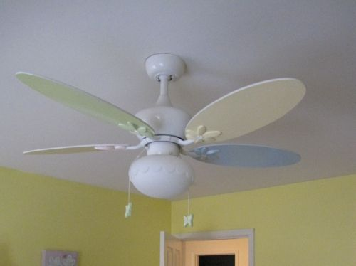 Kids-ceiling-fan-for-girls-room-ideas