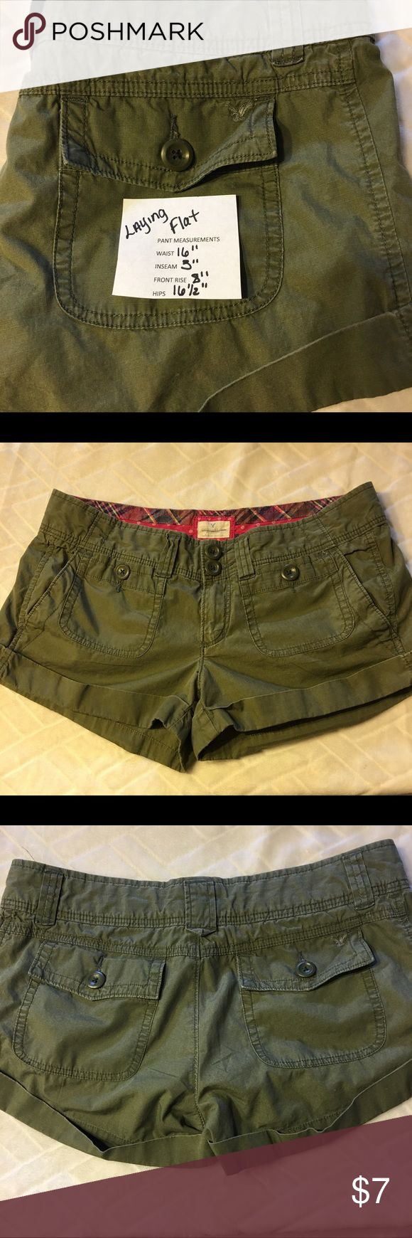 JUST IN ❤️EUC AEO GREEN SHORTS EUC AEO army green shorts, size 8. All measurements in photos. American Eagle Outfitters Shorts