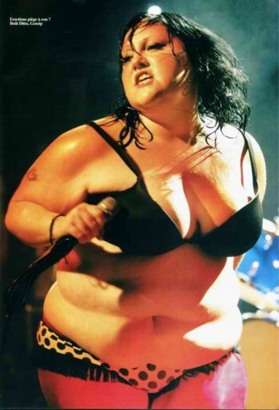 Beth Ditto rocking  Bbw chubby chicks. Phat fat. Thick. Curvy...curvessss....curviliciois.  Love!