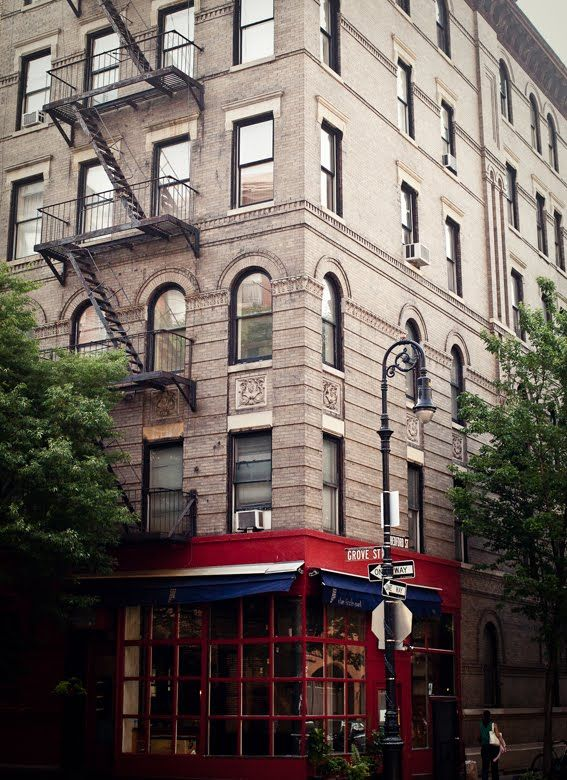 The Little Owl 90 Bedford Street NY    pub exterior location of the the apartment in Friends!