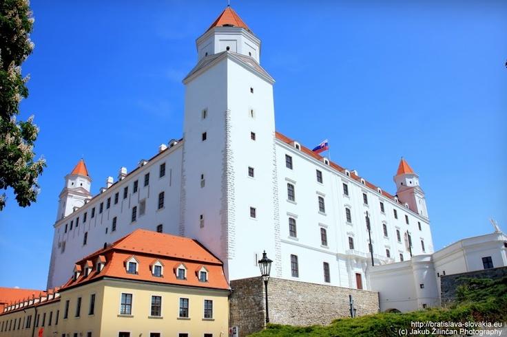 Bratislava Castle on http://bratislava-slovakia.eu/places/sightseeing/bratislava-castle