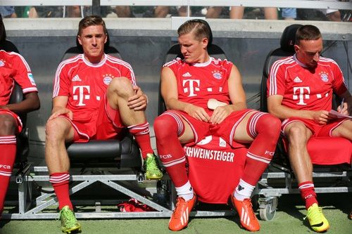 You've got sexier legs than mine, bro! #tobi #basti