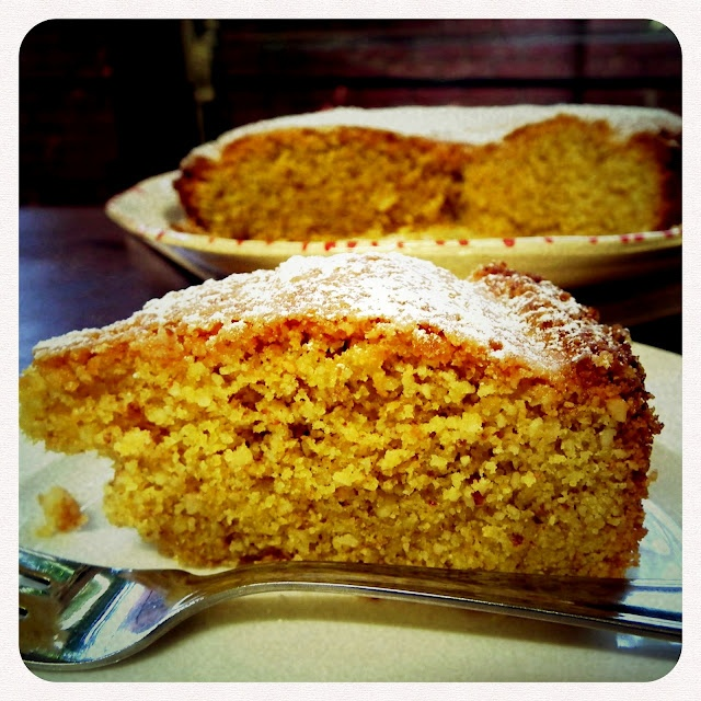 Frikkie Awesome: This weeks Frikkie Awesome Recipe - Lemon Polenta Cake