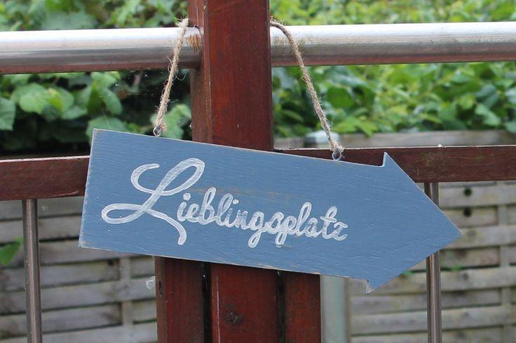Wanddeko - Schild Lieblingsplatz - ein Designerstück von Linda-Thom-Lillis-Handcraft bei DaWanda