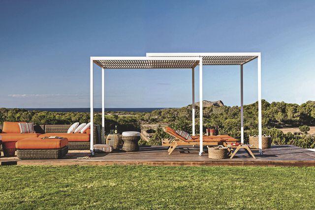 pergolas abris de jardin pour se prot ger du soleil en. Black Bedroom Furniture Sets. Home Design Ideas