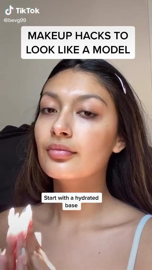 Simple Makeup Hacks Follow Our Board For More Makeuphacks Makeuptutorial Makeuptutorial Makeuptra In 2020 Makeup Tips Eye Makeup Tutorial Makeup Tutorial