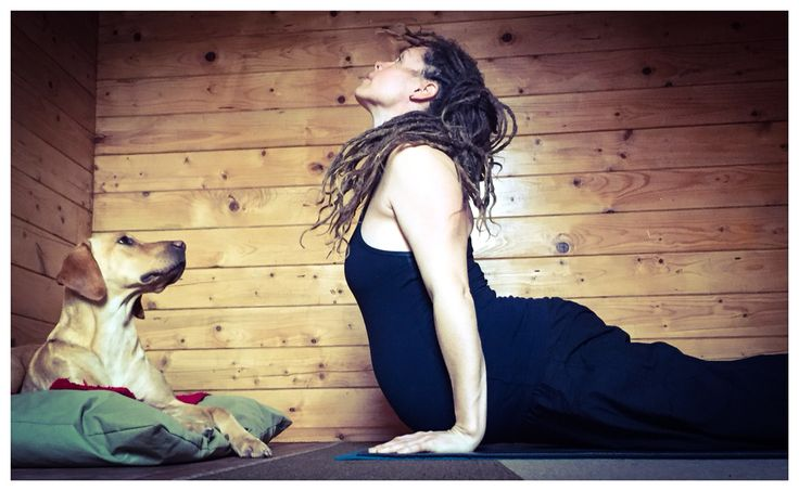 Lacey giving me a helping hand in practice this morning pregnant yoga, Ashtanga, self practice, yoga