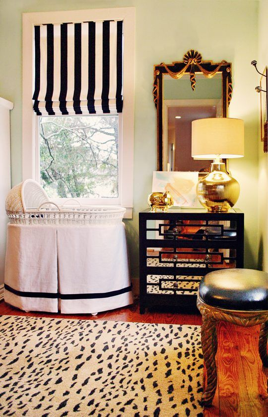 .: Romans Shades, Nurseries, Black And White, Royals Baby, Black White, Colors Schemes, Window Treatments, Baby Rooms, Rugs