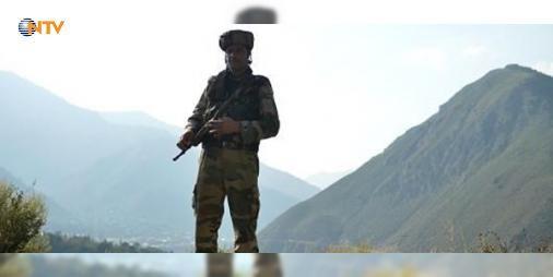 Pakistan-Hindistan sınırında çatışma : Pakistan ile Hindistan askerleri arasında Keşmir sınırında çıkan silahlı çatışmada iki Pakistan askeri yaşamını yitirdi.  http://ift.tt/2cDvTss #Dünya   #sınırında #Pakistan #silahlı #çatışmada #askeri