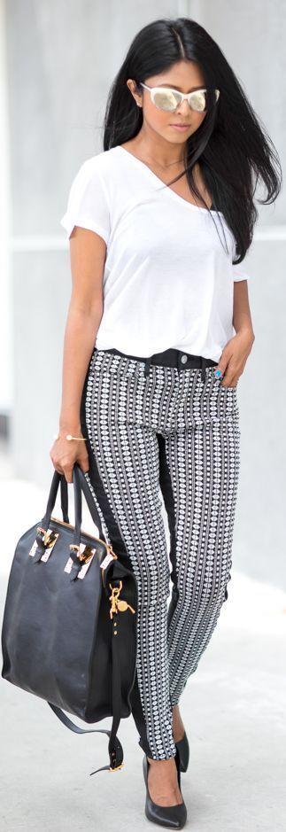 Black And White Stripe Jacquard Print Ankle Skinni..