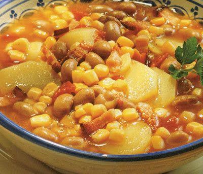 La maneštra de bobići.  Le minestre contadine erano sempre a base di fagioli e patate, che erano a lunga conservazione e a basso costo. Veniva poi aggiunta una terza verdura di stagione: d'estate il granturco.