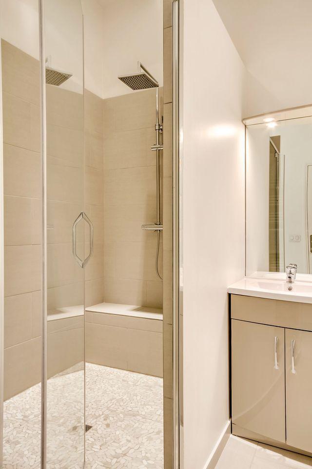 Les 399 meilleures images propos de salle de bain sur pinterest toilettes - Miroir eclairant ikea ...