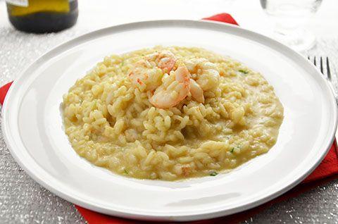 La ricetta del risotto con i gamberi è davvero molto gustosa. Il risotto con i gamberi è un primo piatto elegante e perfetto in ogni occasione. E' adatto anche ai giorni di festa in cui si hai voglia di qualcosa di sfizioso ma anche semplice da preparare.