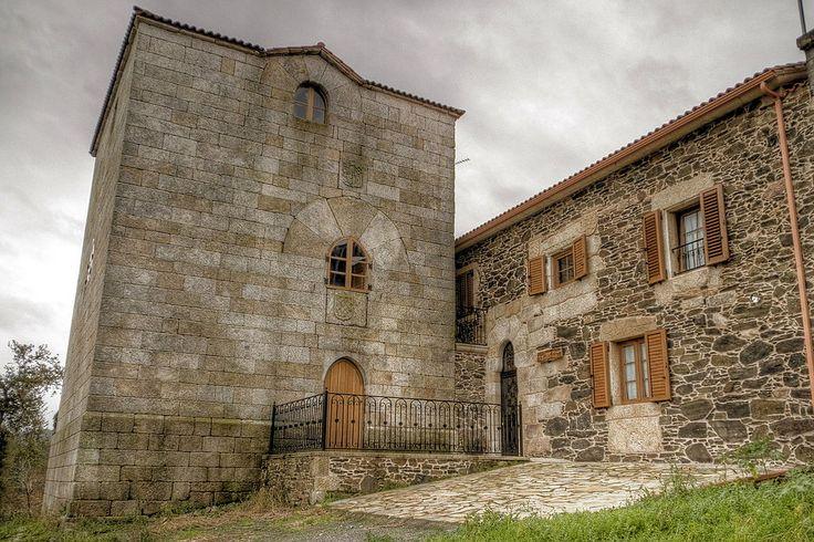 La Coruña Torres de Nogueira, San Roque, Coristanco