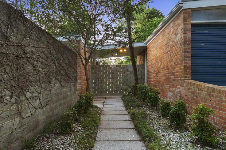 Exley House   Harry Seidler #entrance