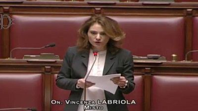 Taranto Governo indichi tempi per recupero arsenale e abbattimento muraglione
