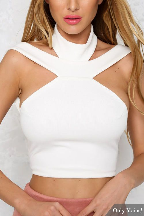 White Halter Open Back Cropped Top -YOINS