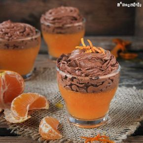 Gelatina de mandarina con mousse de chocolate