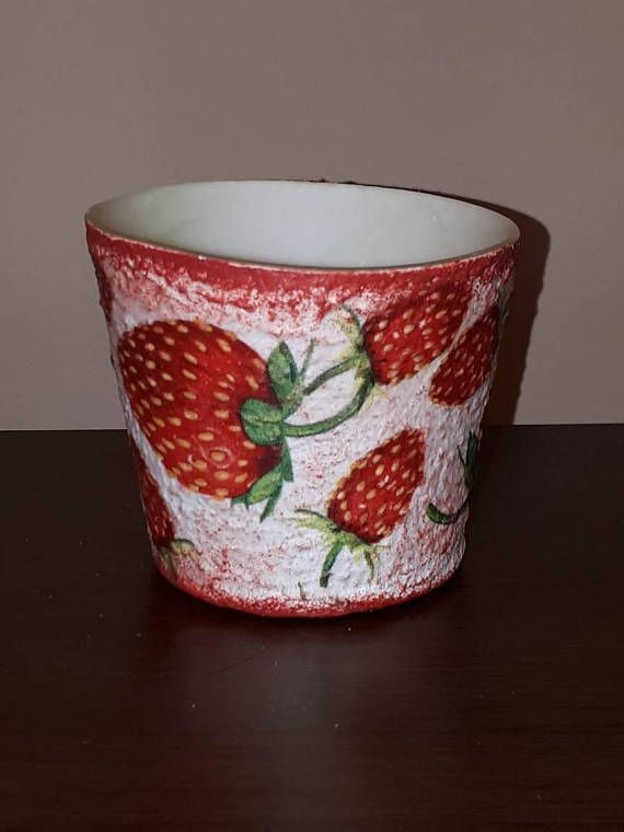 Check out this item in my Etsy shop https://www.etsy.com/listing/564954981/strawberry-tea-light-candle-holder-fruit