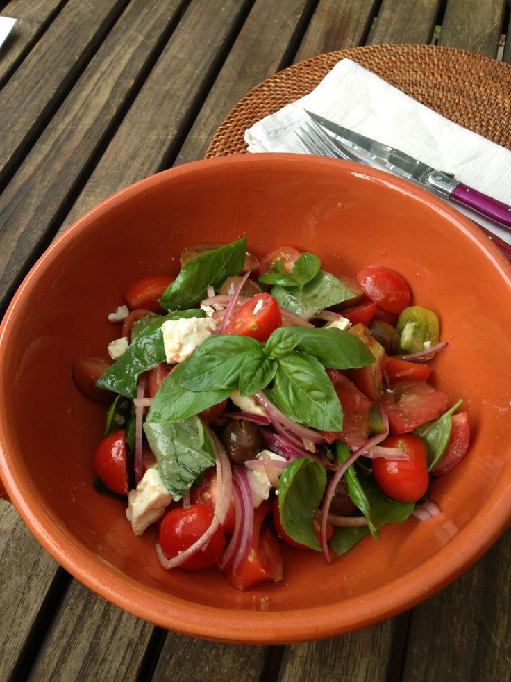 Summer tomato & feta salad with homegrown tomatoes, olives and basil. #veggies #vegetables #vegetarian #vegetablegardening #homegrown #homecooking #salads
