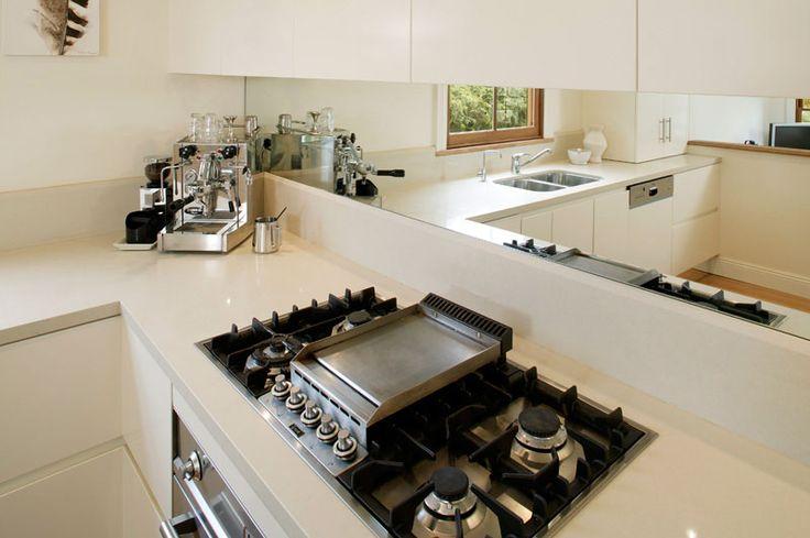 Mirror kitchen Splashback Idea - from The Best Kitchen Splashback Ideas. #MyKitchenAccessories http://mykitchenaccessories.co.uk/best-kitchen-splashback-ideas/